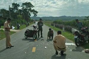 Hà Tĩnh: Hai xe máy đấu đầu, một người đàn ông tử vong trên đường đi cấp cứu