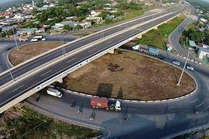 Đề xuất thu phí trở lại cao tốc TP HCM - Trung Lương
