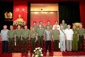 Gặp mặt nhân kỷ niệm 74 năm Ngày truyền thống Công an nhân dân Việt Nam