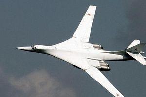 Nga điều 2 máy bay ném bom Tu-160 tập trận chiến thuật