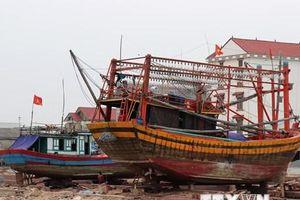 Xử lý nghiêm vi phạm trong vụ tàu cá hỏng hóc phải nằm bờ