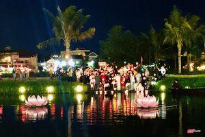 Hội An: Lung linh lễ thắp sáng 7 đài sen mùa Vu Lan