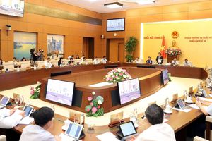 Ủy ban Thường vụ Quốc hội chất vấn 15 trưởng ngành