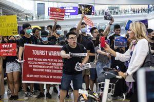 Hàng loạt nước khuyến cáo công dân du lịch tới Hong Kong