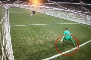 CĐV Chelsea đòi đá lại trận siêu cúp vì thủ môn Liverpool phạm luật
