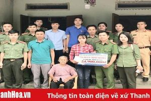 Đoàn thanh niên Công an huyện Thọ Xuân ủng hộ em Trịnh Thị Phúc tiếp tục được đến trường