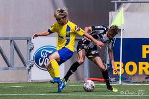 Được đăng ký đá vòng 4, Công Phượng lại có cơ hội ghi bàn ở giải Bỉ