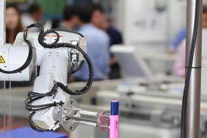 Sau máy in, máy chiếu, Epson mang robot công nghiệp đến Việt Nam