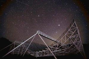 8 cụm tín hiệu lạ ngoài hành tinh liên tục 'cập bến' trái đất