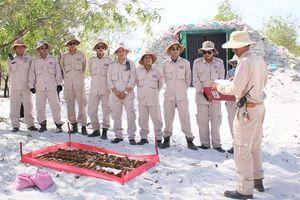 Hủy nổ bom đạn còn sót lại sau chiến tranh ở Quảng Trị