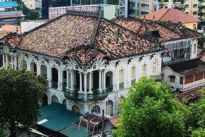 Cận cảnh biệt thự cổ 35 triệu đô quây tôn ở Sài Gòn