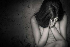 Khởi tố gã đàn ông dâm ô bé gái 11 tuổi