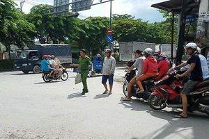 TP.HCM: 2 tài xế xe ôm cầm dao chém nhau giữa phố chỉ vì tranh giành khách