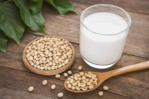 Thực hư câu câu chuyện chị em uống nhiều sữa đậu nành có thể gây u xơ tử cung
