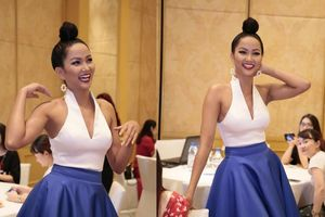 H'Hen Niê diện váy xòe bồng, hóa quý cô gợi cảm khiến fan Hà Nội vỡ òa