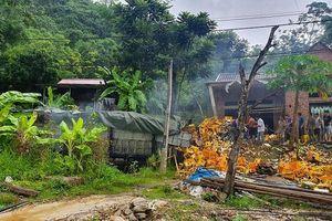 Thanh Hóa: Xe chở bia mất lái lao vào nhà dân làm 2 người chết tại chỗ
