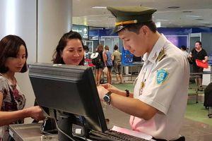Sân bay Nội Bài phát hiện một khách Trung Quốc nghi nhập cảnh trái phép