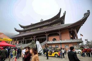 Hàng loạt chùa to tượng lớn liên tiếp ra đời