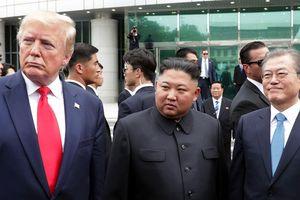Nước cờ 'nóng tên lửa, lạnh đàm phán' của Triều Tiên