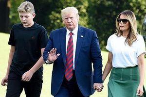 Barron Trump cao 2 m dù mới 13 tuổi thần tốc đến mức nào?