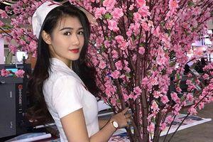 Nữ y tá xinh đẹp nhất Malaysia chân dài cực phẩm hóa ra từng làm nghề 'này'