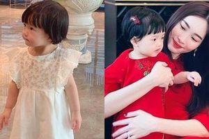Con gái Đặng Thu Thảo nhận 'mưa lời khen' khi được mẹ dẫn đi xem 'nhà ba bán'