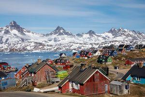 Greenland - hòn đảo lớn nhất thế giới mà ông Trump muốn mua lại có gì đặc biệt?