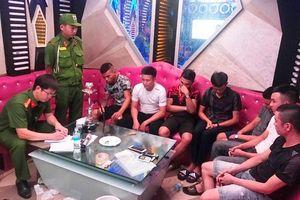 Đang sử dụng 'hàng cấm' trong karaoke thì bị cảnh sát bắt giữ