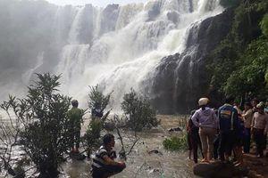 Tiếp tục công tác tìm kiếm 3 thanh niên mất tích ở thác nước