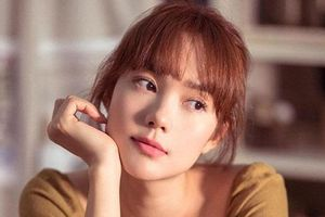 Minh Hằng khoe vẻ đẹp mong manh, trong veo trong loạt ảnh mới, khó ai tin đã bước qua tuổi 30
