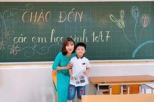 Cô giáo cực phẩm khiến các ông bố tranh nhau... đưa trẻ đến lớp