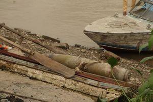 Nước sông cạn, lộ ra quả bom hơn 100kg có sức công phá lớn ở Hải Phòng