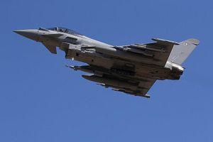 Chiến đấu cơ Anh xuất kích chặn 2 chiếc Su-30 Nga