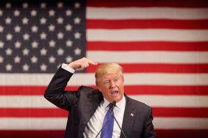 Ông Trump lo đối thủ Đảng Dân chủ 'dìm hàng' thành tích kinh tế Mỹ