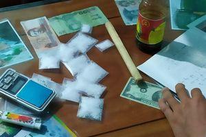 Bắt đối tượng tàng trữ ma túy đá