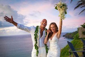 Tài tử Dwayne 'The Rock' Johnson kết hôn với bạn gái lâu năm
