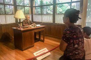 Những hiện vật vô giá về Bác ở Bảo tàng Hồ Chí Minh