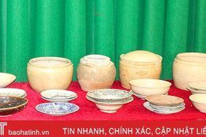 Hội viên Hội cổ vật sông Lam hiến tặng 28 cổ vật cho Bảo tàng Hà Tĩnh