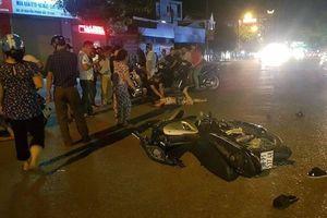 Bị xe máy tông khi qua đường, người phụ nữ ở Nghệ An nguy kịch