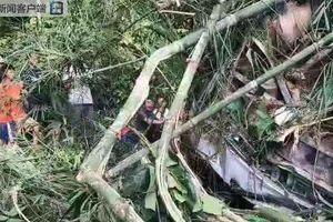 Hàng chục người Trung Quốc thương vong trong vụ tai nạn xe buýt ở Lào