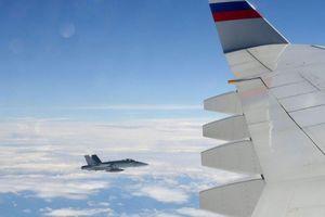 Chiến cơ Thụy Sỹ bay sát máy bay chở Tổng thống Nga Putin
