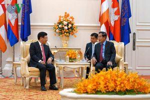 Phó Thủ tướng Phạm Bình Minh chào xã giao Thủ tướng Campuchia