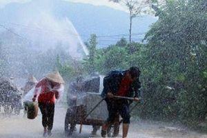 Bắc Bộ mưa lớn, Trung Bộ vẫn nắng nóng diện rộng