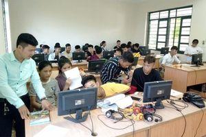 Bài 3: Đảng viên trẻ tiên phong 'tìm nguồn' cho tổ chức