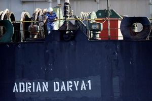 Mỹ không buông tha tàu dầu, Iran tung độc chiêu