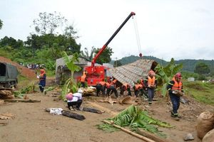 Quân khu 2 diễn tập ứng phó lũ quét, sạt lở đất và tìm kiếm cứu nạn