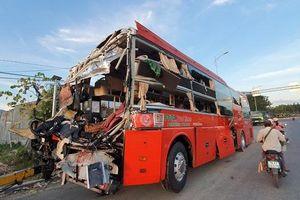 Nhân chứng kể lại cảnh tượng 2 xe khách va chạm kinh hoàng ở Khánh Hòa