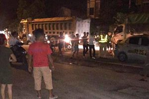 Tạm giữ 3 thanh niên say xỉn vi phạm giao thông, tấn công CSGT nhập viện