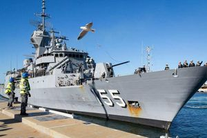 Úc điều máy bay, tàu chiến tham gia liên minh của Mỹ tại vùng Vịnh