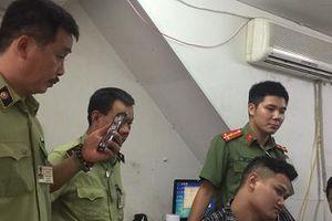 Lật tẩy thủ đoạn thu gom điện thoại Samsung nhái 'hô biến' thành hàng 'xịn' bán kiếm lời